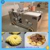 Biscuits délicieux faisant la machine