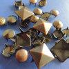 装飾のための別の形の金属の爪のリベット