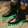 LEDライトが付いている新製品の女性および人のレザー・ブーツ