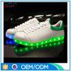 卸売価格の人の履物LEDの運動靴