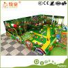 Type d'intérieur doux de forêt de cour de jeu des jouets de cowboy