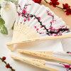 De gepersonaliseerde Chinese Partij van het Huwelijk van de Ventilator van de Bloesem van de Kers van de Ventilators van de Hand van het Bamboe van de Zijde keurt Bruids Douche goed