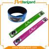 Изготовленный на заказ Wristband силикона с логосом печатание