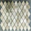 Étage de mosaïque en pierre de losange avec les graines en bois normales