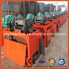 肥料の生産設備を押すローラー