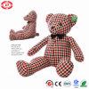 채워진 격자 면 직물 장난감 곰 단추는 귀여운 장난감을 주목한다