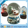 Natale Snow Globe Resin Water Globe con Snowing Landscape