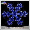 Свет 2017 снежинки мотива голубого причудливый праздника рождества декоративный