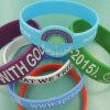 Progettare il braccialetto per il cliente variopinto del silicone per la promozione