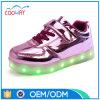 新しいデザイン男女兼用LEDスニーカーLEDは運動靴をつける