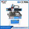 CNC del aluminio que hace publicidad de la máquina