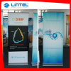 Display (LT-02E)の上の銀製のPull up Banner Aluminum Roll