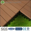 300X300mm WPCのタイルの反紫外線木製のプラスチック合成のフロアーリングの防水容易WPCの連結のデッキのタイルをインストールする
