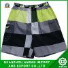 Shorts della spiaggia degli uomini del plaid con poliestere