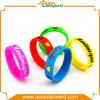 Abitudine di prezzi bassi qualsiasi Wristband del silicone di colore