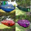 Openlucht het Kamperen van de zomer Hangmat met het Insect die van de Mug Nylon Hangmat opleveren