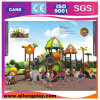 Kind-Plastikplättchen-im Freienkind-Spielplatz-Gerät