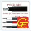 Панель солнечных батарей и кабельный соединитель PV