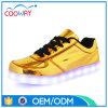 特別で明るい材料、歩きやすいライニング人LEDの靴、大人の靴