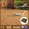 荘重な設計された木製のフロアーリング