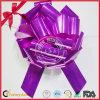 Curva da fita da tração do POM-POM para o dia do Valentim da decoração