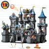 Le plastique adoube le jouet de blocs de château pour des gosses