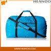 Затавренная облегченная рука перемещения викэнда продолжает путешественников багажа мешок