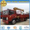 Il piccolo camion di Sinotrk 4*2 ha montato con il camion diritto della gru 5t del braccio