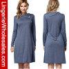 Il manicotto lungo casuale grigio delle donne slaccia il vestito