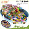 Campo da giuoco dell'interno dei bambini del Ce con la trasparenza di plastica