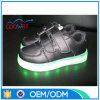 Surtidor ligero de la fábrica de zapatos de los cabritos del LED con la mayoría del precio y de la calidad de la competición