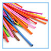 풍선 마술 풍선을 뒤트는 긴 유액 풍선을 만들기