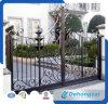 Cancello di giardino antico del ferro saldato