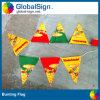 Drapeau en plastique coloré de corde de triangle faite sur commande bon marché, drapeau donnant un petit coup