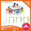 Таблица детсада и стулы, мебель малышей изучения установленная