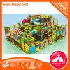 Замок крытой занятности спортивной площадки капризный для детей