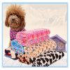 Le produit d'animal familier épaississent le couvre-tapis d'ouatine/couverture de corail confortables de climatisation pour que le chat et le crabot maintienne chaud