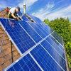 Alto sistema de energía solar de Efficency 3000W con el generador para el uso casero