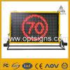 LEDの移動式トラックは可変的なメッセージの印VmsのLED移動式トラックによって取付けられた可変的なメッセージの印の表示を取付けた