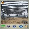 Estructura de acero que procesa el edificio del taller