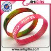 Wristbands variopinti del silicone con il marchio impresso