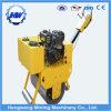 Piccolo rullo compressore manuale del motore diesel