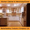 De Amerikaanse Stevige Houten Keukenkast van de Stijl met de TegenBovenkant van het Kwarts