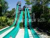 高品質スリル満点の水スライド