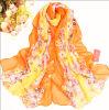 Mantón oblongo floral de Georgette de la manera