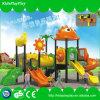Campo de jogos ao ar livre do equipamento do entretenimento dos miúdos