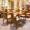Jogo brilhante da tabela de jantar do restaurante feito pela madeira contínua