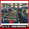 Laminar los azulejos del hierro del metal que cubren el rodillo que forma haciendo la maquinaria