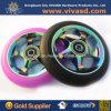 A borracha Inline dos patins roda as rodas do trotinette do núcleo do metal