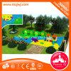 La familia de niñez embroma el parque de atracciones al aire libre del juego en Guangzhou